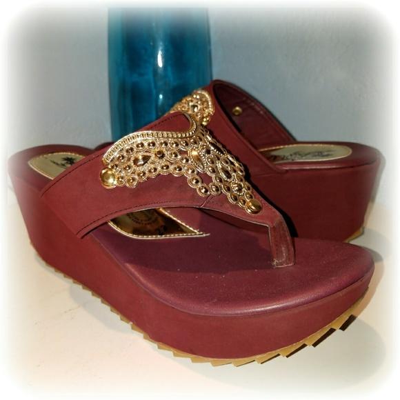 Aquah Moda Shoes Burgundy Gold Wedge Sandals Size 6 Poshmark